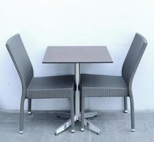 tafel met stoelen foto