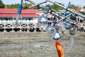 gloeilampen op een vissersboot