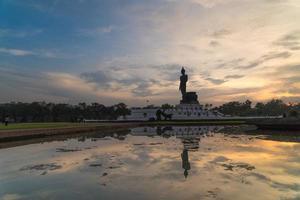 het standbeeld van Boedha in Thailand foto