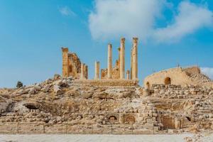tempel van artemis in gerasa, het huidige jerash, jordanië foto
