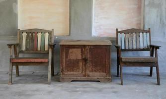 oude houten meubels foto