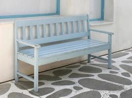 blauwe houten bank foto