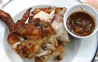 Thaise stijl geroosterde kip foto