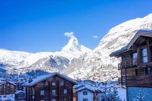 uitzicht op de matterhorn vanuit zermatt in zwitserland foto