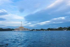 suan luang rama ix park in bangkok foto
