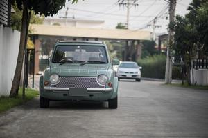 vintage oldtimer geparkeerd in een straat