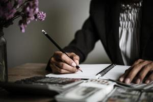 ondernemer berekenen van financiële groei en investeringen