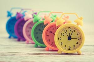 kleurrijke wekkers foto