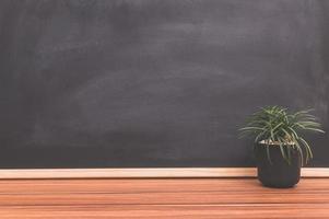 plant pot op het bureau