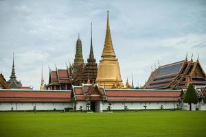 bangkok, thailand, 2020 - groots paleis gedurende de dag