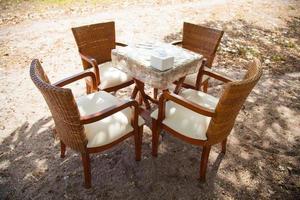 stoelen en tafel