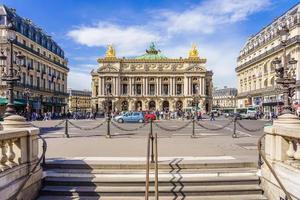 opera garnier en de nationale muziekacademie in parijs, frankrijk