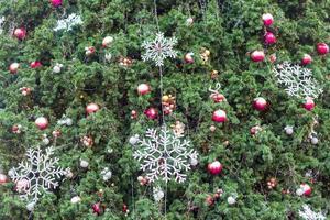 kerstboom decoratie foto