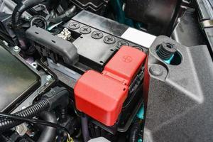 close-up op nieuwe kleine eco-auto-accu