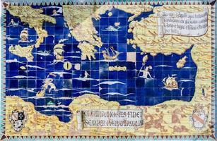 oude kaart van de middellandse zee foto