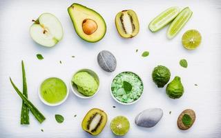 zelfgemaakte ingrediënten voor huidverzorging en bodyscrub foto