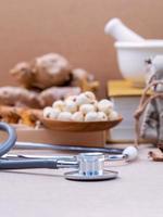 alternatieve gezondheidszorg met een stethoscoop foto