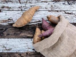 zak zoete aardappelen foto