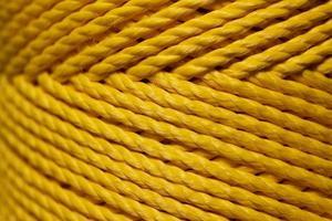 close-up macro-opname van een gele draad.