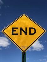 geel einde teken foto