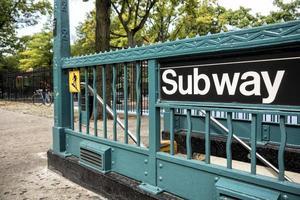metro ingang in New York City foto