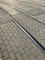 treinsporen op straat foto