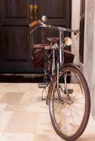 klassieke zilveren fiets foto