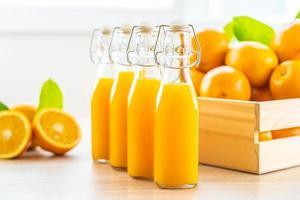 vers sinaasappelsap en sinaasappels