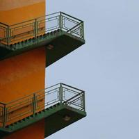 trap architectuur in de straat in bilbao city, spanje foto