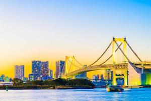 regenboogbrug in tokyo foto