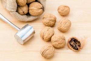 walnoten met een zak foto