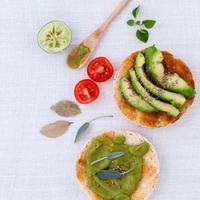 avocado en andere ingrediënten foto