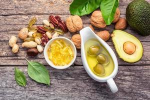 bovenaanzicht van omega 3-voedingsmiddelen foto