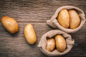 zakken aardappelen foto