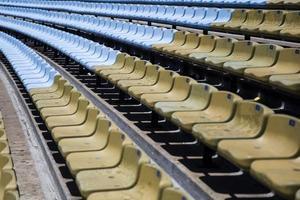 close-up van de stadionstoelen foto
