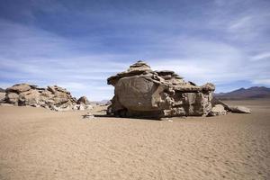 rotsformaties van de dali-woestijn in bolivia foto
