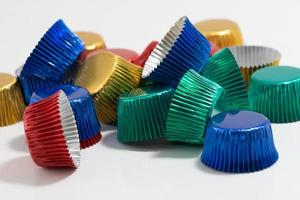 kleurrijke aluminium bakvormpjes