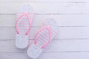 roze flip flop sandalen