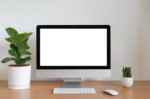 leeg scherm van een desktopcomputer