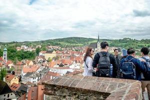Tsjechië 2017 - groep toeristen bij het kasteel van Cesky Krumlov