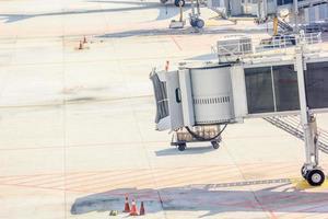 vliegtuigbrug op de luchthaven voor passagiers