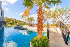zwembad bij crest resort en poolvilla's en resorts, phuket, thailand, 2017