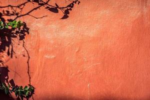 armoedige rode muur