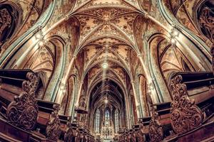 interieur van de basiliek van st. peter en paul