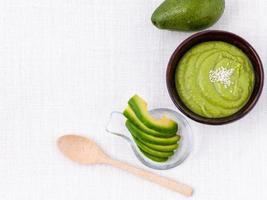 guacamole en kopieer de ruimte foto