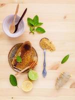 verse limoen en honing foto