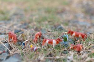miniatuur tuinders werken aan het concept van veld, boer en tuinieren