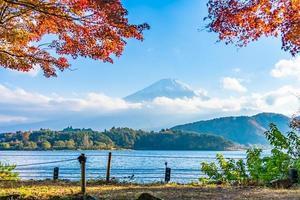 mt. fuji met in yamanashi, japan foto