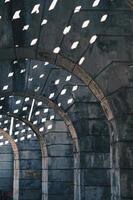 kolomarchitectuur op straat in de stad van bilbao, spanje foto