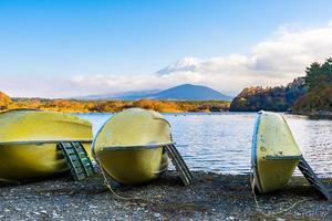 boten op mt. fuji, japan foto